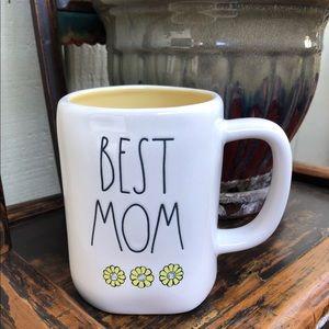 Rae Dunn Best Mom Mug
